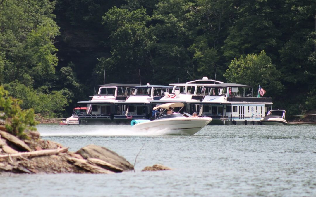 Why should I choose a broker to help sell my boat?